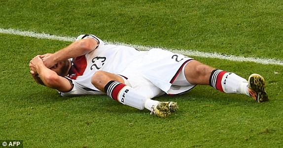 Christoph Kramer remarkably kept playing after a series head collision - something bothersome to FIFA officials